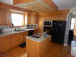 Wheelhouse INN! Beautiful family home with 1 bedroom basement apt.