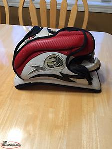 Vaughn Velocity Junior Block and Glove
