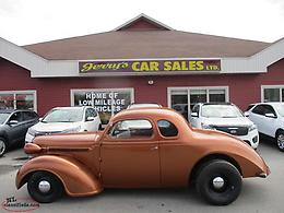1937 Dodge D5 Coupe with modern drivetrain