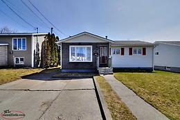 Beautiful well-maintained, 3 bdrm, 2 bath bungalow