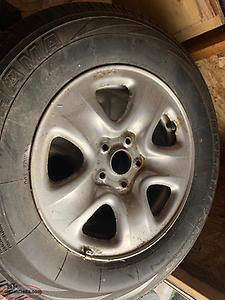 225/70/16 new tire and rim off Suzuki vitara