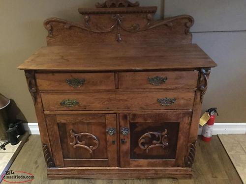 Antique sideboard (reduced) again