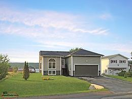 ** NEW PRICE ** Beautiful 3 bdrm, 2 bath home in Norris Arm