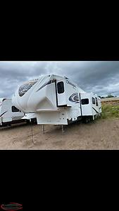 Great deals on remaining Used 5th wheel sale