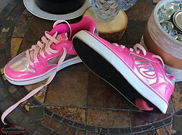 Heelys Sneakers(Originals) Size 6 Youth; 7 Wo's
