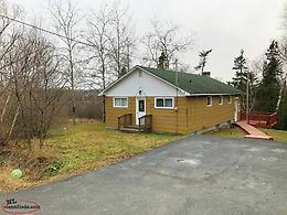 Excellent 3 bedroom on mature, large lot + extra lot