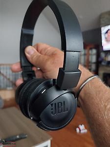 bose & JBL bluetooth headphones