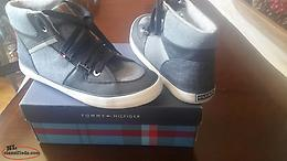 Boys Tommy Hilfiger Hi top Sneakers Sz 5
