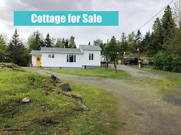 Home or Cottage with 3 bedrooms & lots of storage