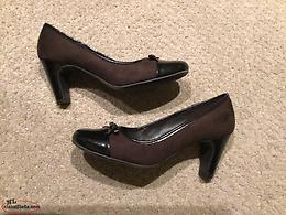 Brand New Ladies Dress Shoes Size 6W