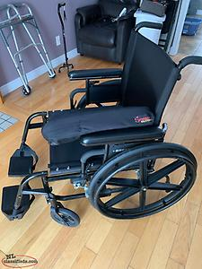 Wheelchair and support cushion