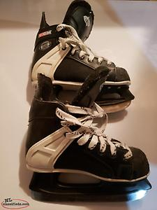 CCM kids youth hockey skates