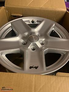 "4 BRAND NEW 17"" ALLOY FACTORY JEEP WHEELS!!"
