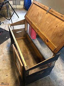 Dog box for hunting dogs