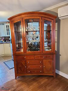 selling or trading China cabinet