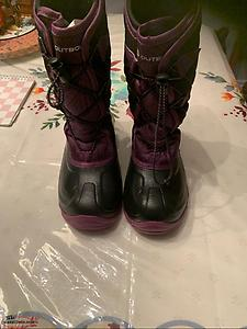 Girl's Outbound Winter Boots size 3