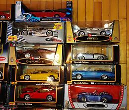35 Die Cast Cars (1:18 Scale)