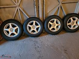 215 / 70 / 16'' M/S TIRES AND UNIVERSAL RIMS