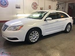2013 CHRYSLER 200 --- ONLY 76,000 KILOMETERS