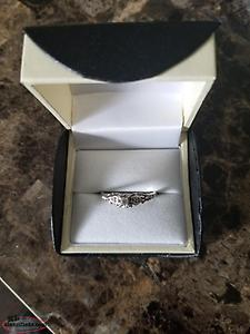 10k womens engagement ring