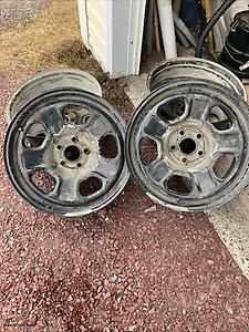 8 Ford rims with sensors 18 inch
