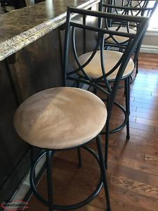 Set of 6 Bar/Nook Stools excellent condition