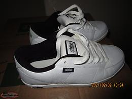 For sale etnies footware