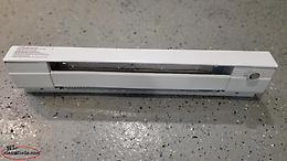 Commander 500watt baseboard heater with thermostat