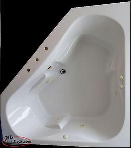 BEAUTIFUL CORNER BATH TUB