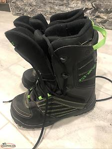 Men's snowboarding boots size 6