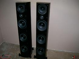 Pair of PSB Imagine T3 Floorstanding Speakers (6 Months Old). Great condition in