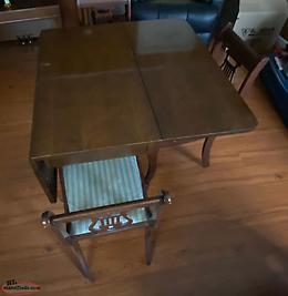 Table & 4 Chairs (60's Vintage)