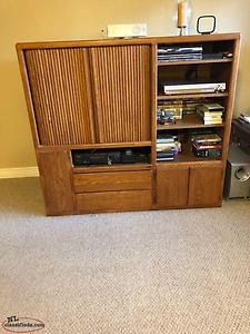 For Sale entertainment with TV, solid wood, excellent condition $175