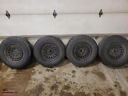 265/70R17 Tires and Rims off GMC