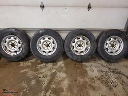 265/70R17 Tires and Rims off Ford