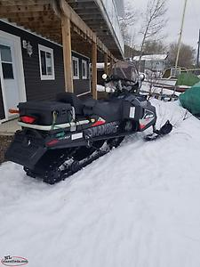 2017 skandic wide track 1690km, trade or sell. located Grand Falls-Windsor