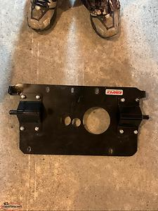 Plow mount for Polaris