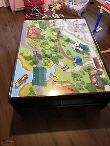 Kids play table/coffee table