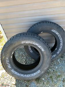 2 tires for sale 265/70/17