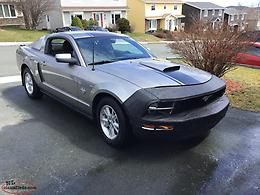 2009 Ford Mustang 45th Anniversary Edition / Pony Package