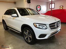 2018 MERCEDES BENZ GLC 300 4MATIC --- (ONLY 39,000 KILOMETERS)